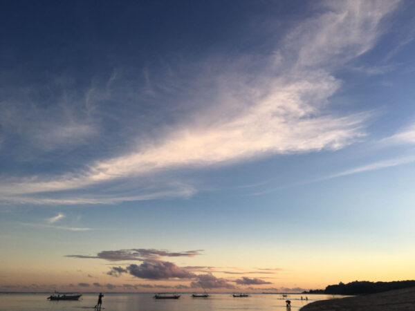 Закаты, сёрфинг ипрочие Бали-банальности.
