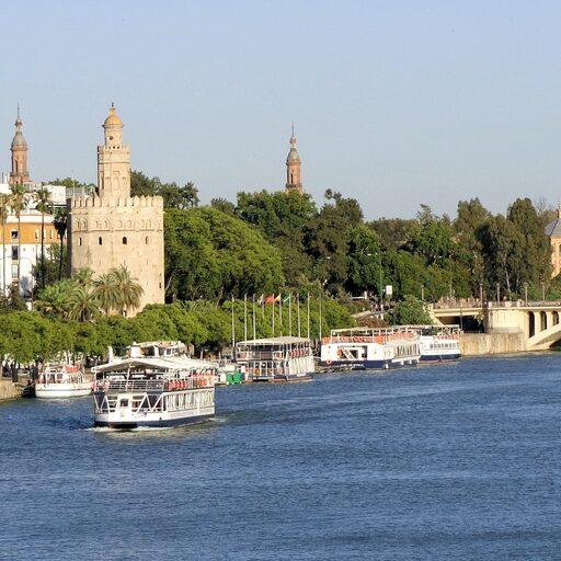 Часть 3: Прогулки по Севилье — Удивительное рядом