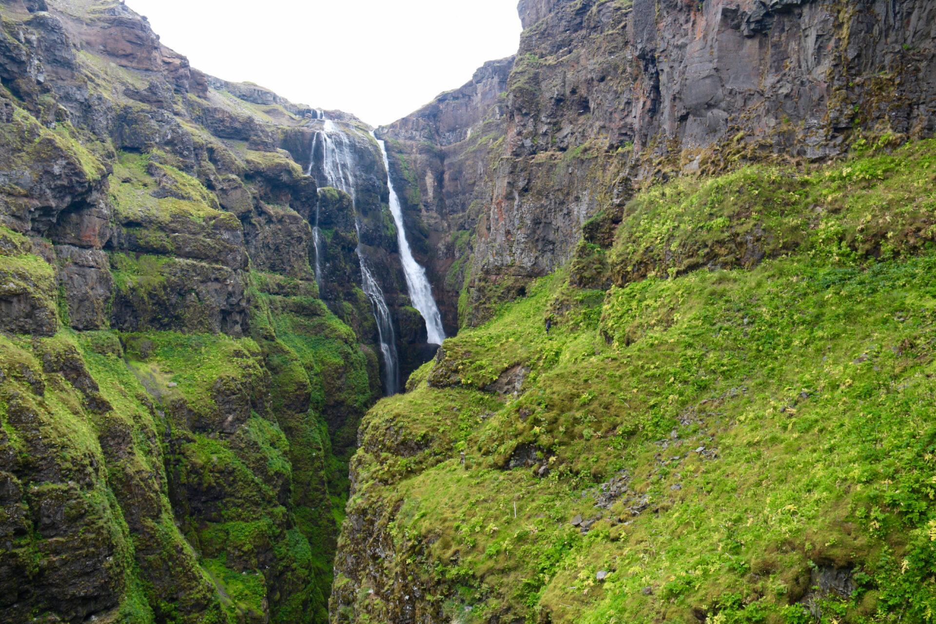 Водопад Глимур илежбище тюленей Утри-Тунга.