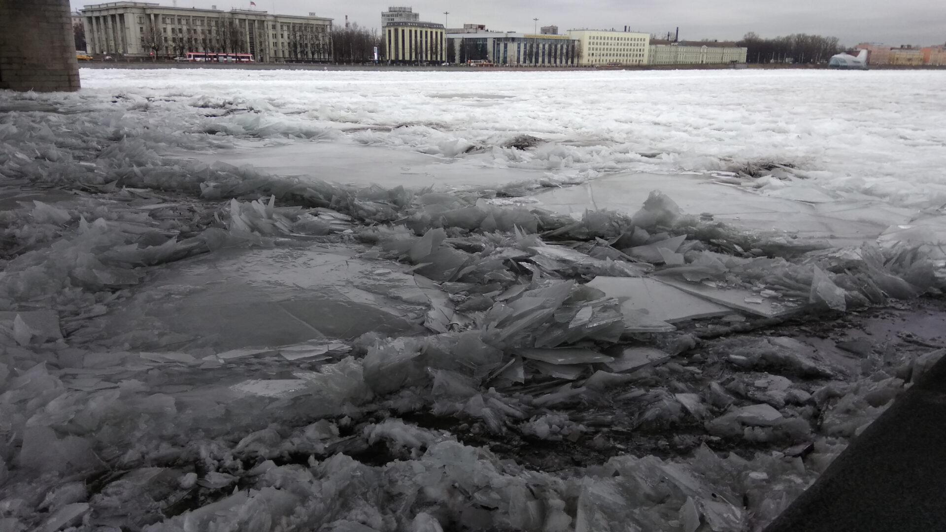 Зачем реке ледокол