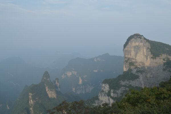 Гора Тяньмэнь.