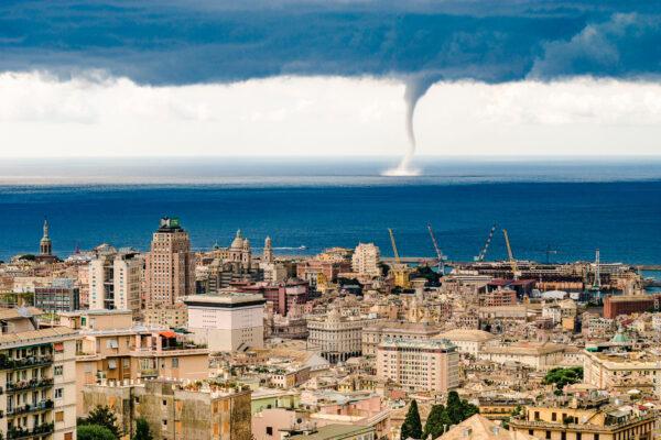 Порт, Генуя днем иночью