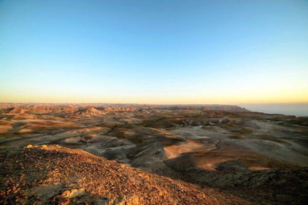 Иудейская пустыня. Отрассвета дополудня.