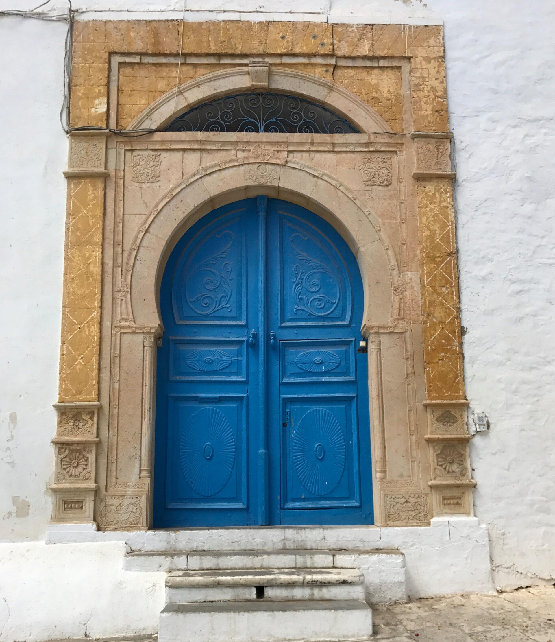 Двери— символ Туниса!