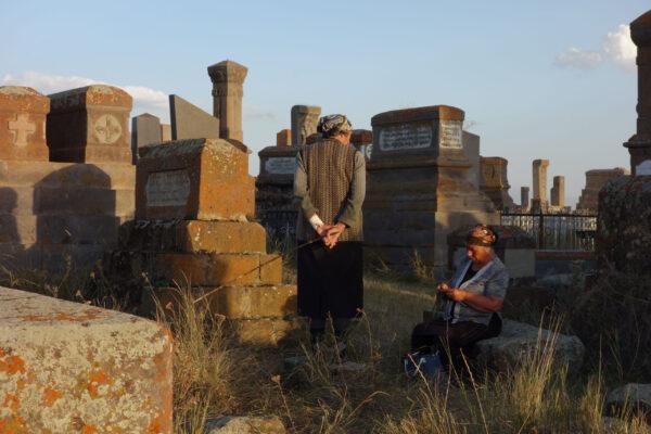 Армения. Часть 5. Средневековое кладбище наберегу озера Севан
