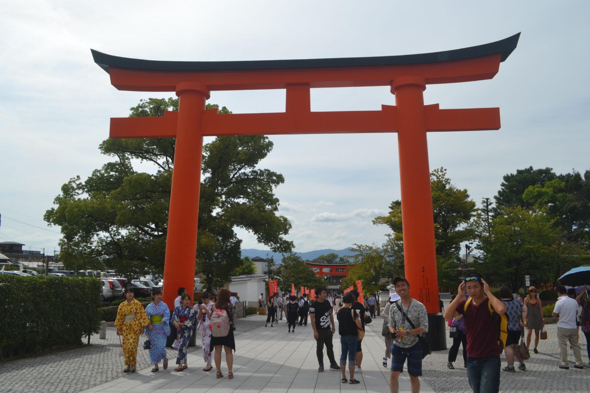Фусими Инари Тайся. Храм тысячи ворот